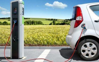 Etxean auto elektriko bat kargatzeko gunearen instalazioa